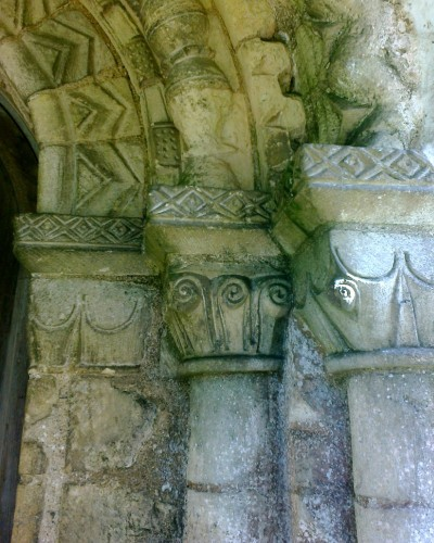Hellington_Church_Capitals