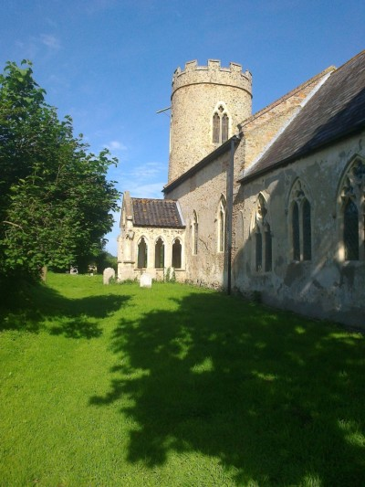 Hellington_Church_up_close