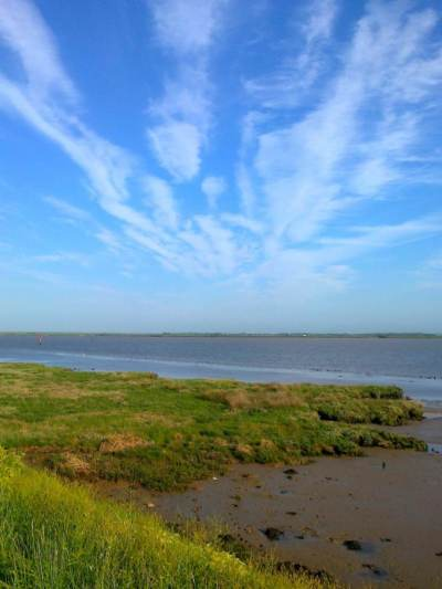 Clouds Give Perspective Breydon
