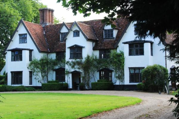 Tudor architecture, Saxlingham